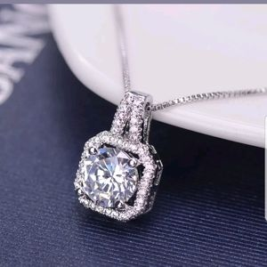 New fashion women charm crystal pendant necklace